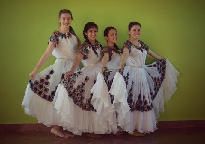 Dansa Paraguaya - Copy.jpg